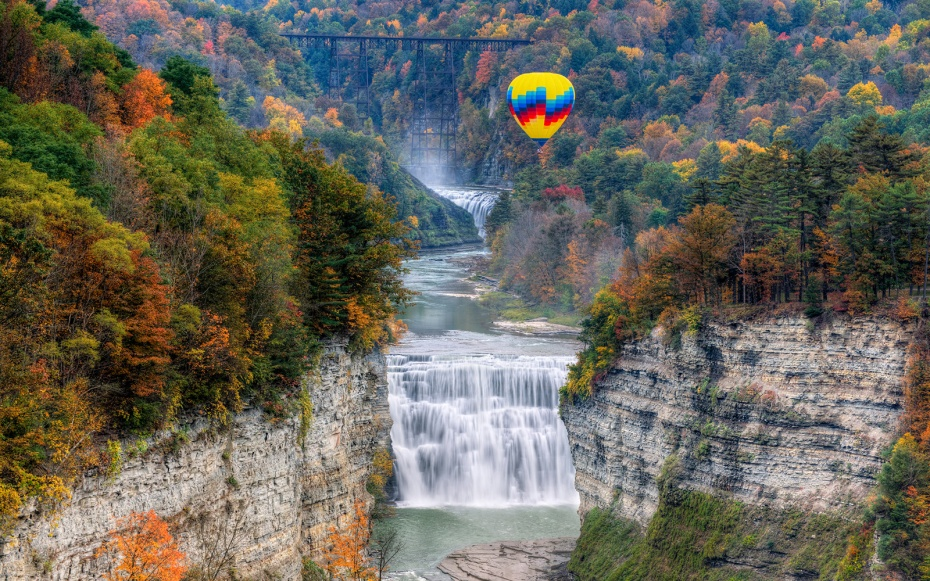201404-w-hot-air-balloon-rides-letchworth-state-park